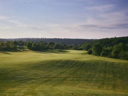 LOWRES Golfclub Sidebar-CF049705